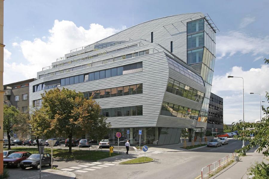 Administration building Na Vítězné pláni