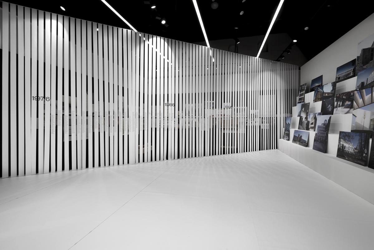Instalace výstavy 40 let FA ČVUT